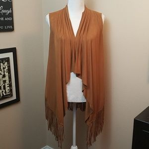 ABSOLUTELY FAMOUS TAN FAUX SUEDE FRINGED VEST/WRAP